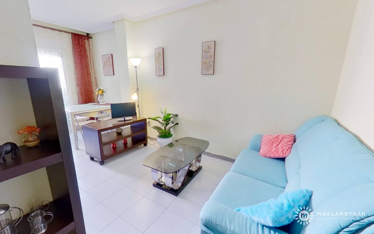 Resale - Apartment - Torrevieja - Playa del Acequion