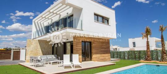 Discover our villas for sale in Pilar de la Horadada Spain and live by the sea