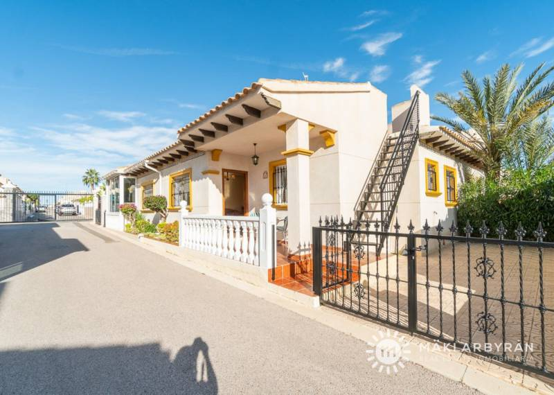 Chalet - Resale - Orihuela Costa - Playa Flamenca