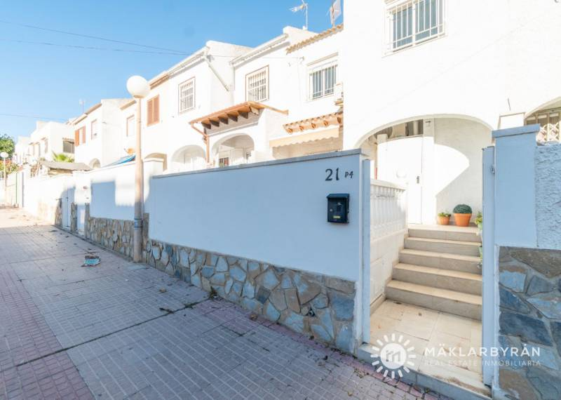 Terraced house - Resale - Torrevieja - Calas blanca